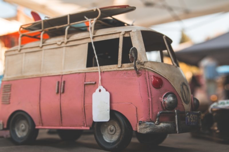 8 Tips to Get Organized for Your Summer Garage Sale